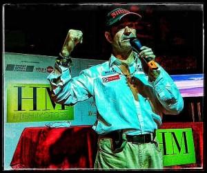 """Ignacio Corcuera """"Livingstone"""" en plena Master Class sobre el Rally Dakar"""