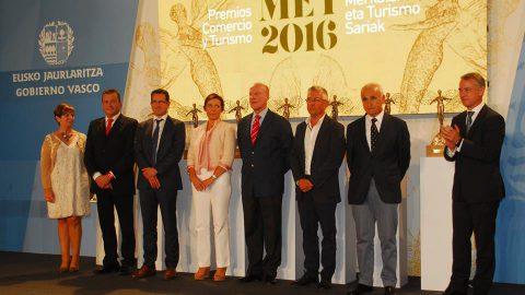 TORRE LOIZAGA RECIBE EL PREMIO TURISMO IMPULSO A LA INNOVACIÓN #MET2016