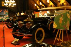 Cuadros entre Rolls-Royce Sivler Ghost. Sala 6