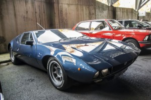 De Tomaso Mangusta en el parking