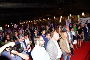 El público siguió atento la conferencia