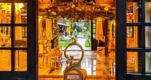 Altar de la boda por el rito hindú